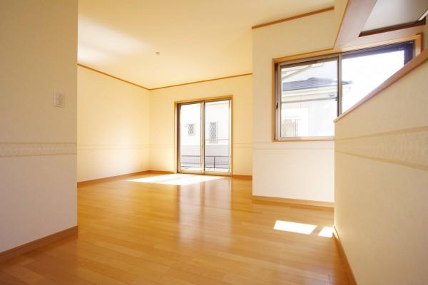リビングルームイメージ シンプル家具なし